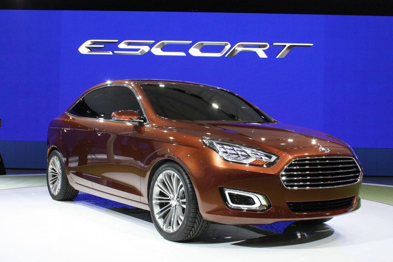 000-ford-escort-concept-shanghai