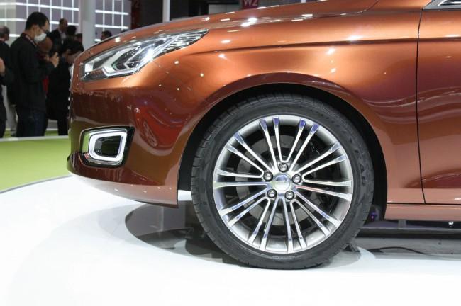 007-ford-escort-concept-shanghai