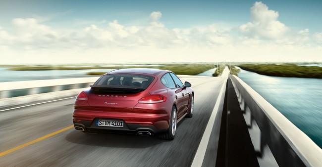 2014-Porsche-Panamera-4-2[2]