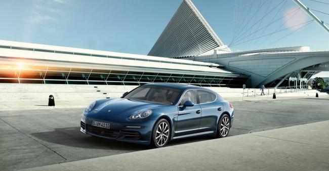 2014-Porsche-Panamera-4S-Executive-3[2]