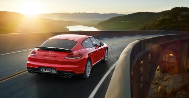2014-Porsche-Panamera-GTS-2[2]
