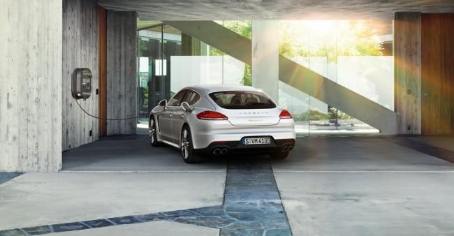 2014-Porsche-Panamera-S-E-Hybrid-1[2]