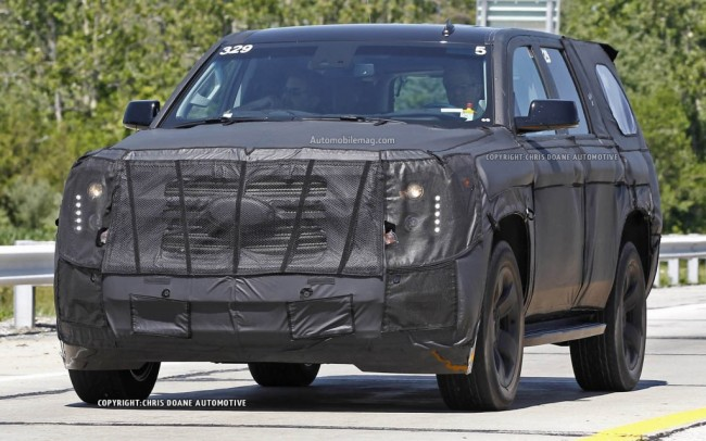 2015-Chevrolet-Tahoe-spied-front-three-quarter-1-1024x640