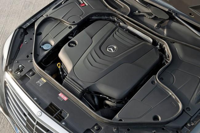 05-2013-Mercedes-S-Klasse-Motorraum-19-fotoshowImageNew-22650fb0-682821