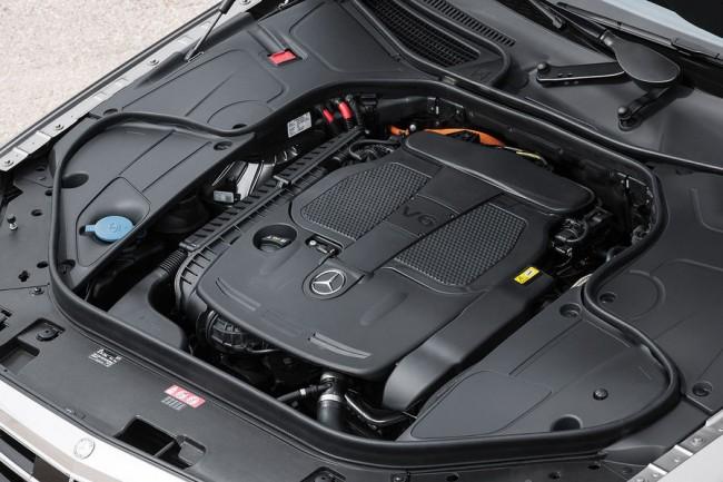 05-2013-Mercedes-S-Klasse-Motorraum-19-fotoshowImageNew-b243b7af-682822