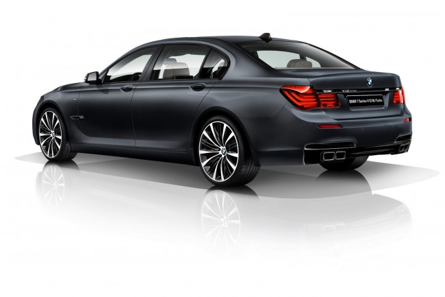 BMW-7-Series-V12-Bi-Turbo-Edition-3[6]
