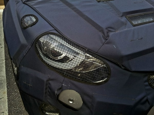 Hyundai-Elantra-facelift-spy-headlamps