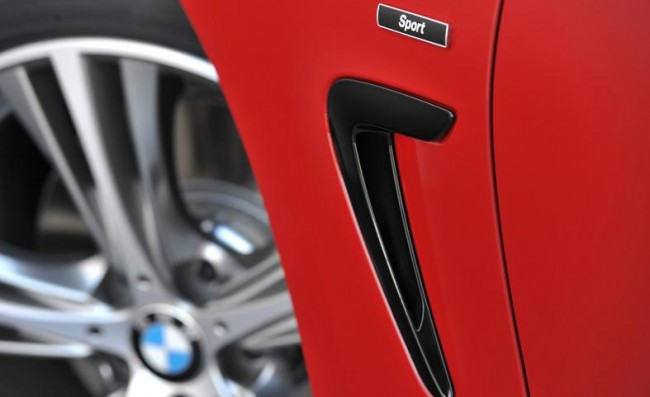 2013-bmw-435i-sport-line-fender-vent-and-badge-photo-520763-s-787x481