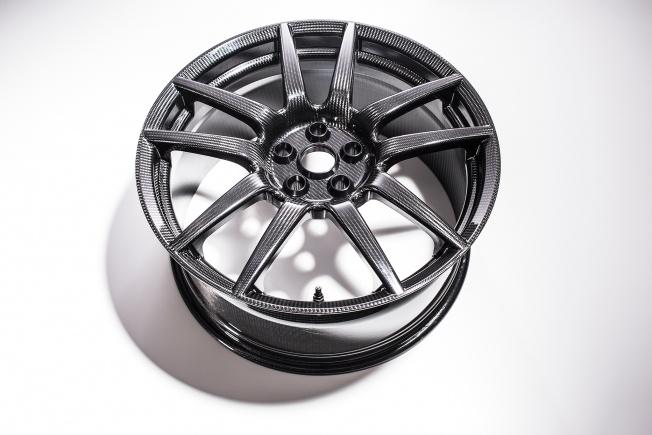 Ford-GT-carbon-fiber-wheels-06