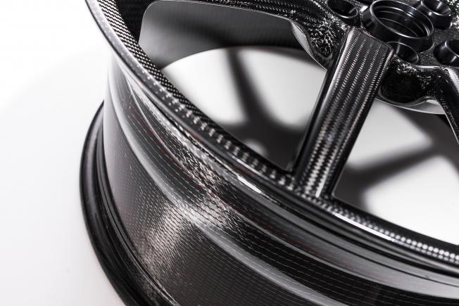 Ford-GT-carbon-fiber-wheels-08