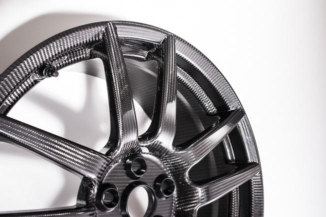 Ford-GT-carbon-fiber-wheels-09