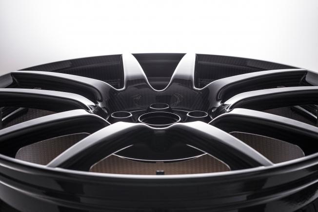 Ford-GT-carbon-fiber-wheels-14