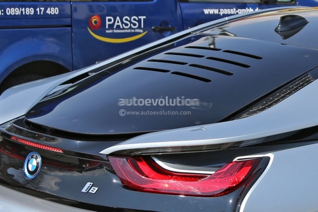 more-powerful-bmw-i8-spied-hides-a-more-potent-engine-and-bigger-brakes_1