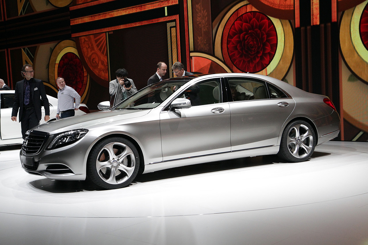 0002-2014-s-class-reveal-live-03