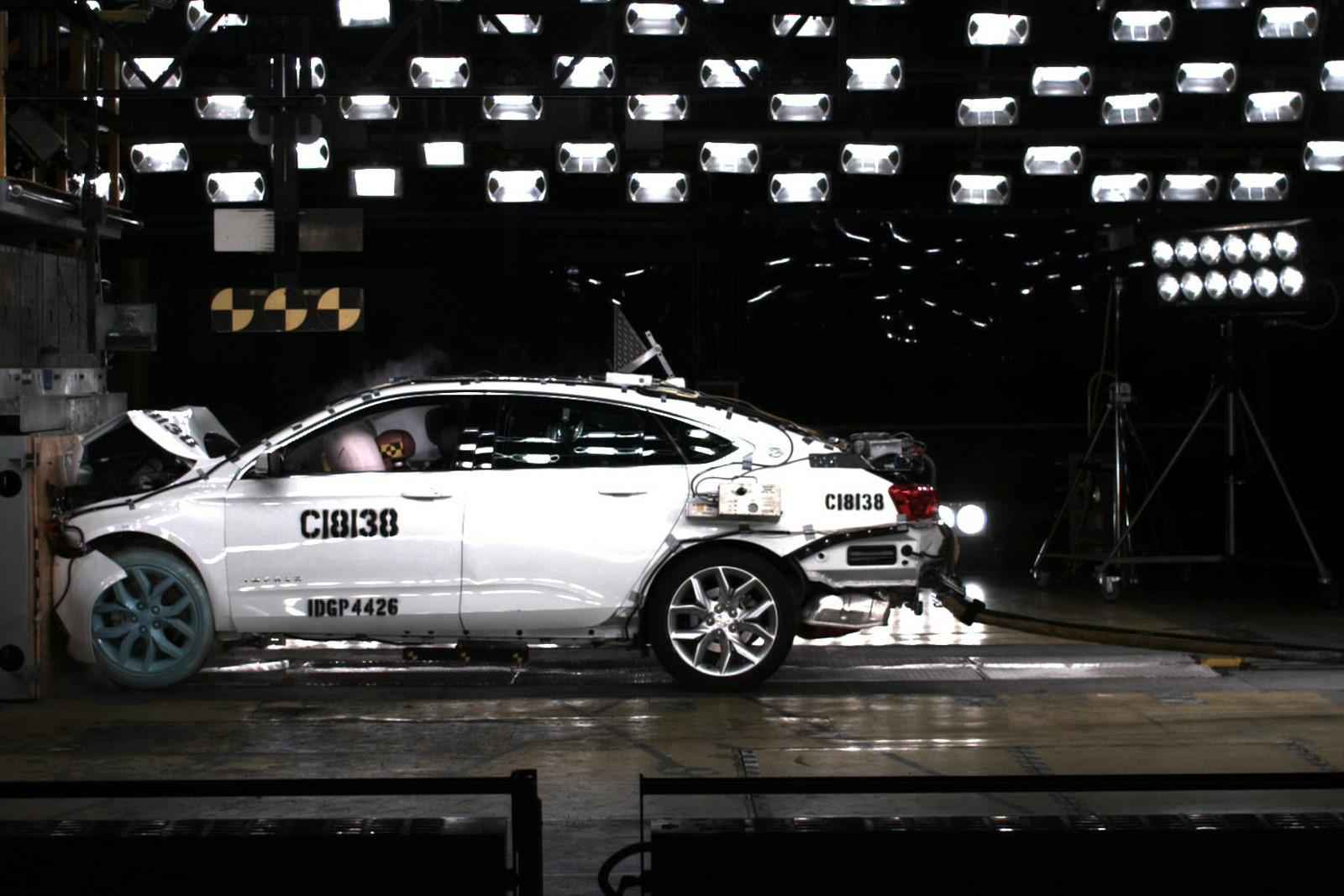 2014-Chevrolet-Impala-FiveStarSafety-1[4]