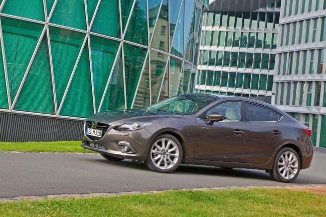 2014-Mazda3-Sedan-11[2]