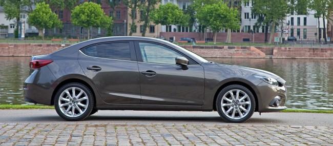 2014-Mazda3-Sedan-14[2]