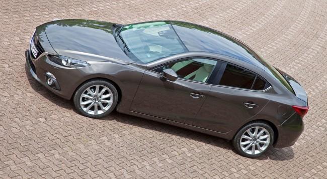 2014-Mazda3-Sedan-15[2]