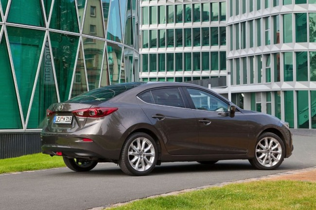 2014-Mazda3-Sedan-21[2]