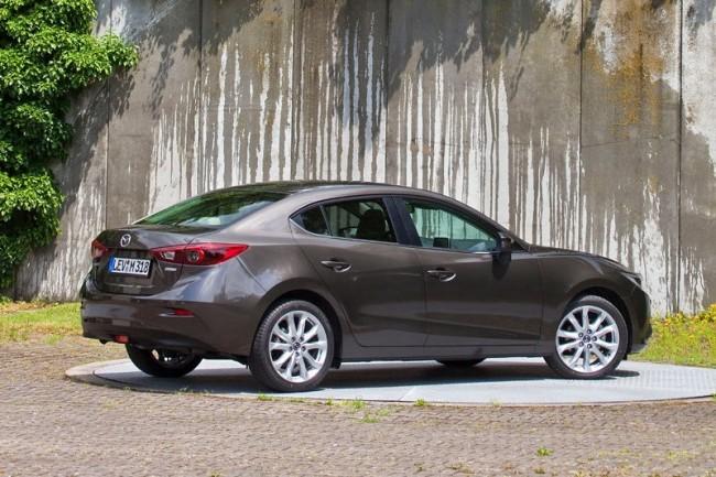 2014-Mazda3-Sedan-22[2]