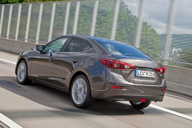 2014-Mazda3-Sedan-25[2]
