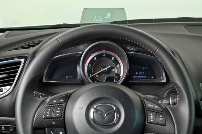 2014-Mazda3-Sedan-27[2]