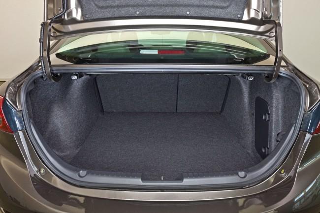 2014-Mazda3-Sedan-32[2]