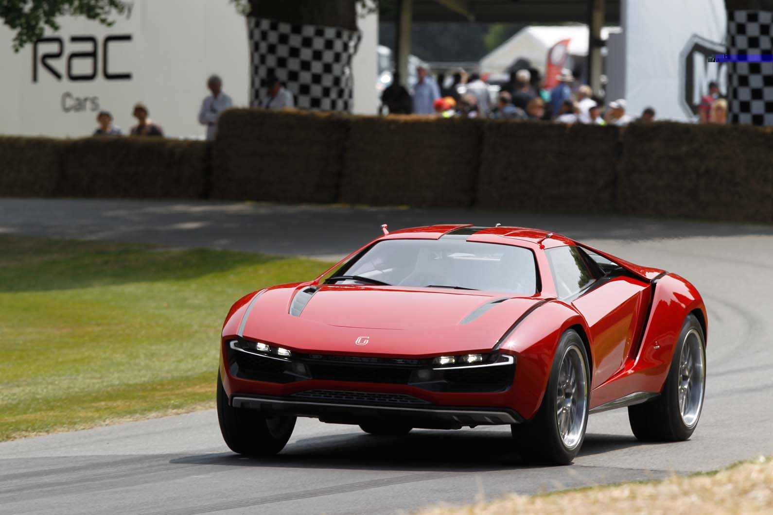 ItalDesign-Giugiaro-Parcour