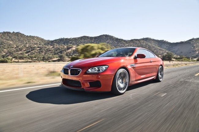 2013-BMW-M6-Coupe-front-three-quarters-in-motion