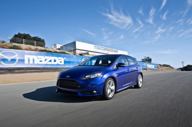 2013-Ford-Focus-ST-front-three-quarter-in-motion1