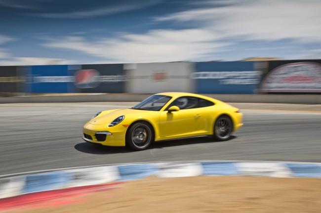 2013-Porsche-911-Carrera-4S-side-turn-in-motion1