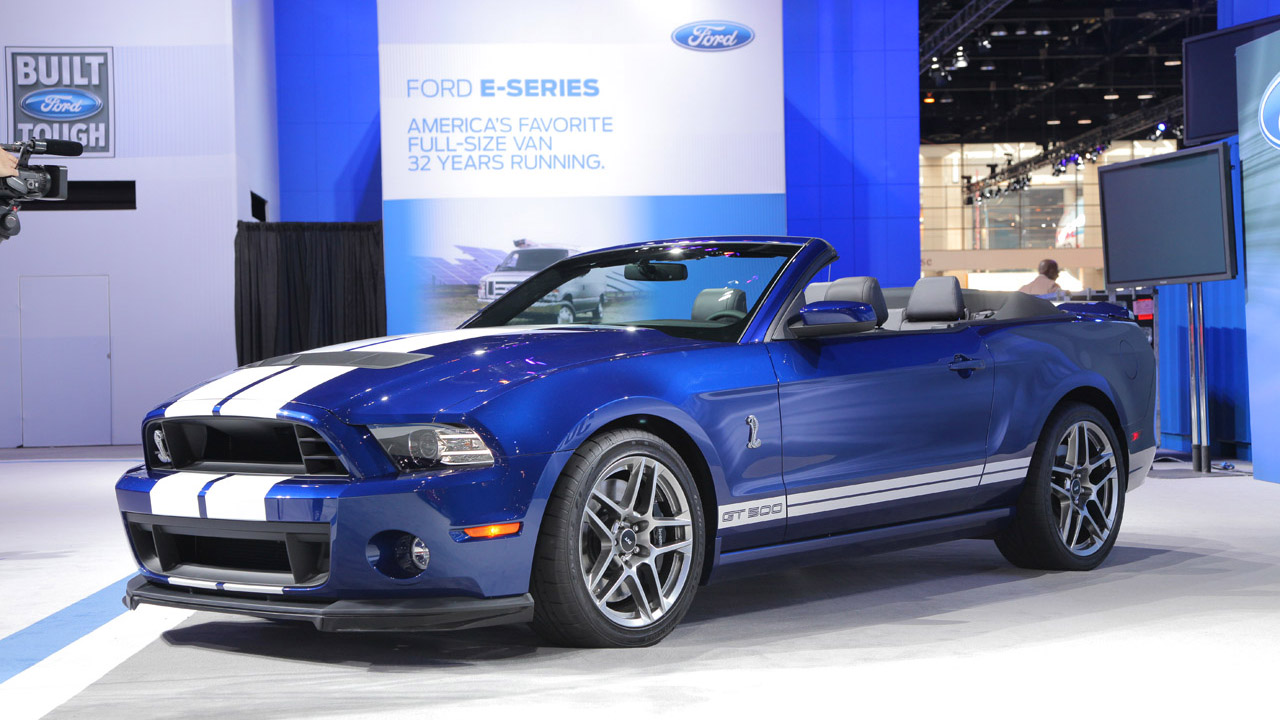 2013-ford-shelby-gt500-convertible-10