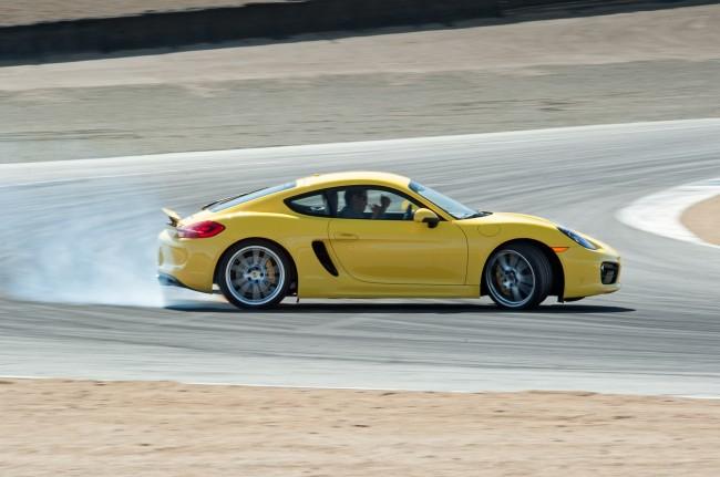 2014-Porsche-Cayman-S-side-drift