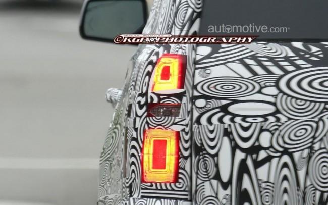 2015-Chevrolet-Tahoe-Spy-Photo-03-1024x640