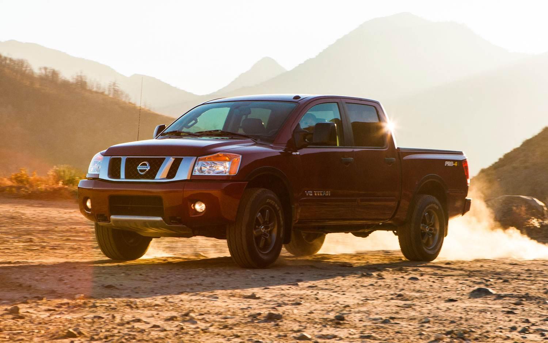2013-Nissan-Titan-left-view