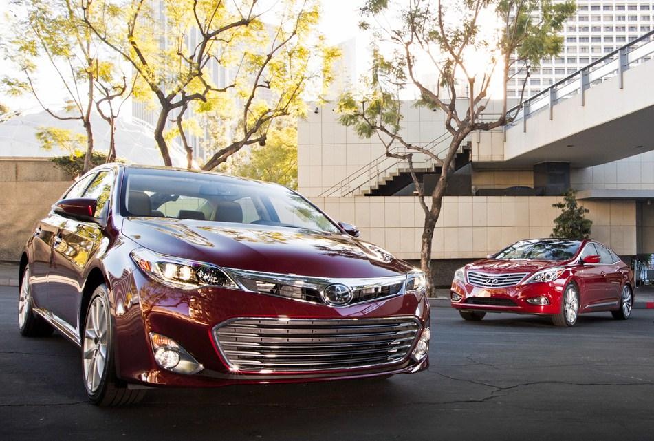 2013-Toyota-Avalon-Limited-Nissan-Maxima-SV-Hyundai-Azera-front-three-quarters