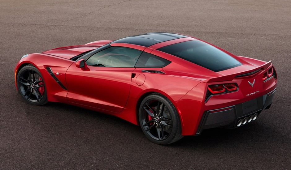 2014-chevrolet-corvette-stingray-rear-940x550
