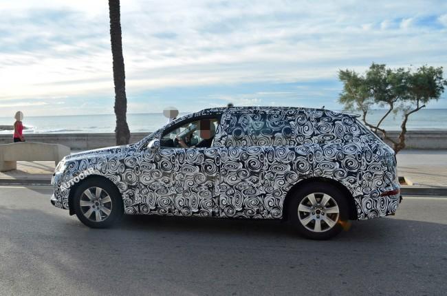2015 Audi Q7 side