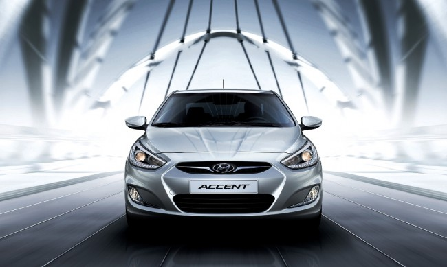2014-Hyundai-Accent-Front