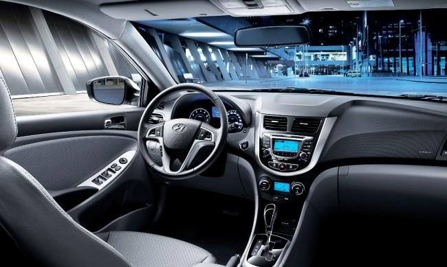 2014-Hyundai-Accent-Interior