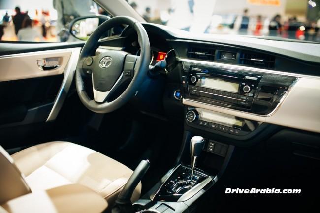2014-Toyota-Corolla-2.0-3