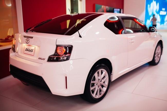 Dubai-Motor-Show-2013-261