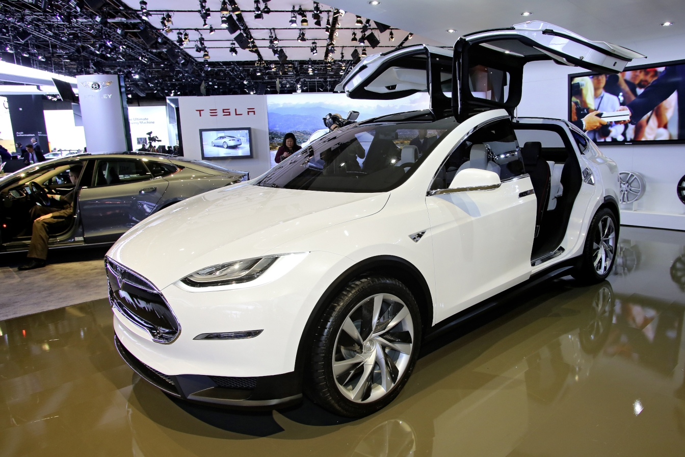 Tesla_Model-X_Detroit2013