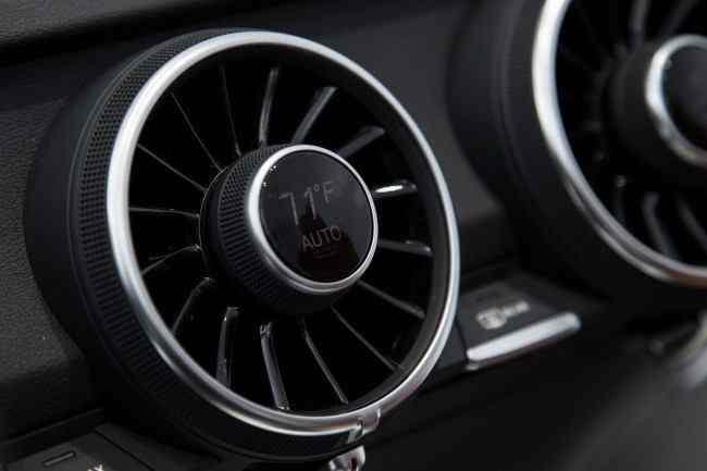 2015-Audi-TT-3[2]