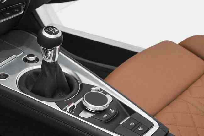 2015-Audi-TT-4[2]