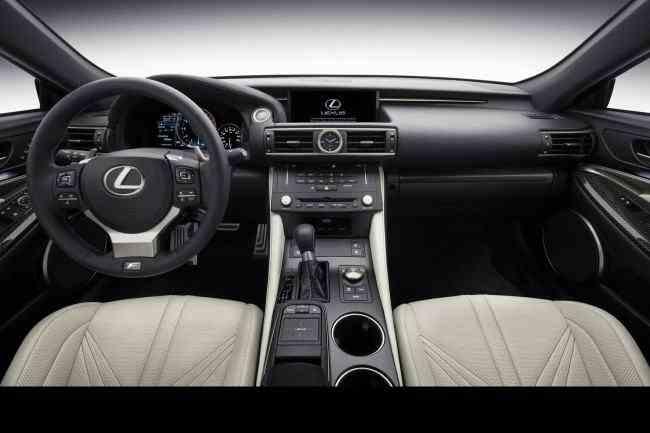 2015-Lexus-RC-F-42
