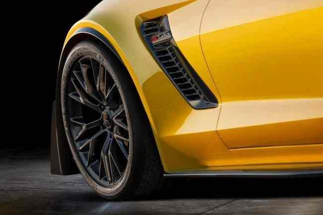 Corvette-Z06-Stingray-1