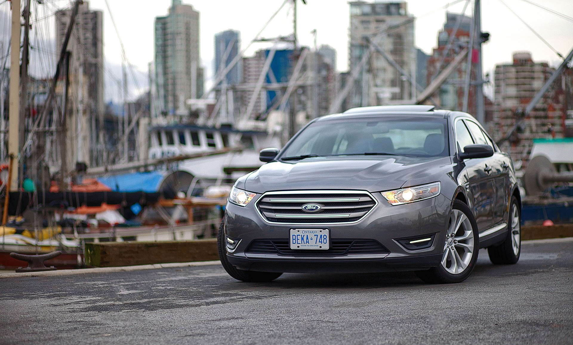 2013-Ford-Taurus-Review