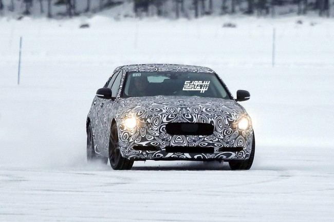 Jaguar XE 001