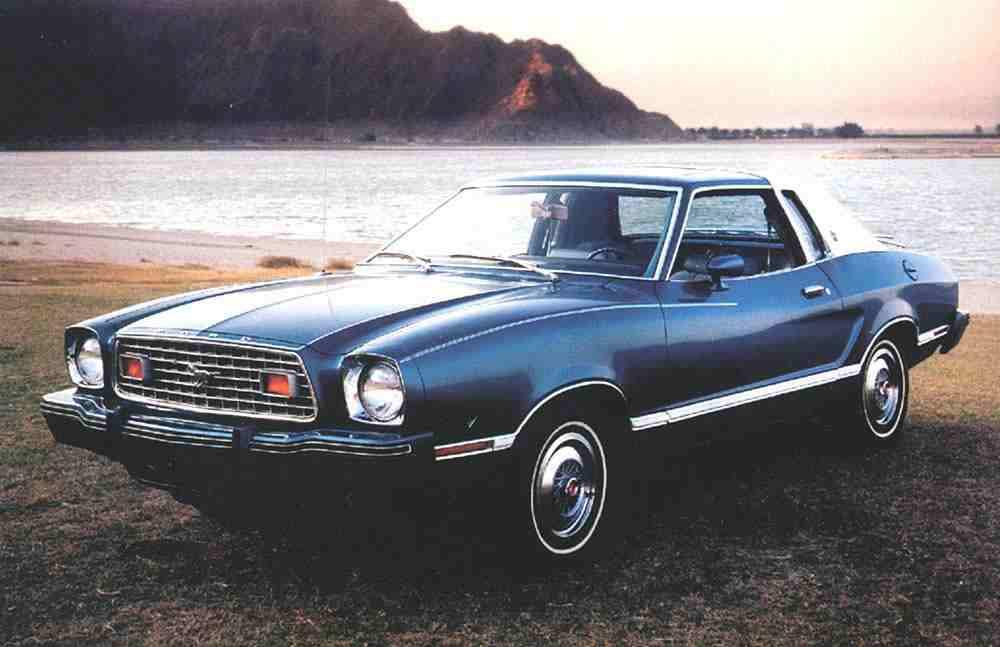 موستانج Ghia 1975